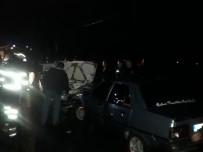 Zonguldak'ta İki Araç Kafa Kafaya Çarpıştı Açıklaması 4 Yaralı
