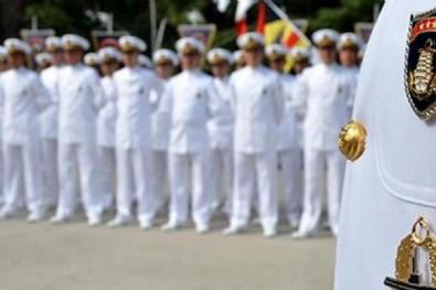 104 akademisyenden104 emekli amirale kınama!