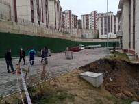 İki Bina Arasında Meydana Gelen Heyelan Sonucunda İstinat Duvarı Çöktü