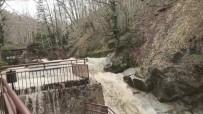 Sağanak Yağış Ve Kar Suları Şelaleyi Taşırdı