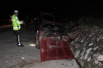 Arka Tekeri Kopan Otomobil Şarampole Devrildi Açıklaması 1 Yaralı