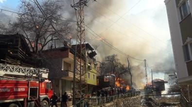 Artvin'de 15 Yılda 123 Köy Yangınında 268 Ev Yandı
