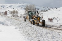 Bayburt'ta Yüksek Kesimlerde Karla Mücadele Çalışmaları Devam Ediyor