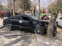 Otomobil Ağacı Çarptı Açıklaması1 Yaralı