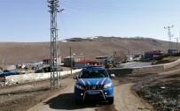 Ardahan'da Jandarma Anonslarla 'Evde Kalın' Çağrısı Yapıyor