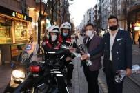 ÇEL- DER Başkanı Mehmet Taş, 'Polis Haftası'nda Polislere Karanfil Dağıttı