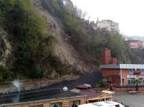 Heyelan Nedeniyle 2 Katlı Bina Boşaltıldı