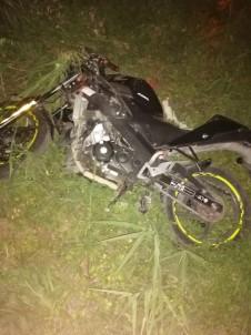 İzmir'de Feci Kaza Açıklaması Metrelerce Sürüklenen Motosiklet Sürücüsü Yaşamını Yitirdi