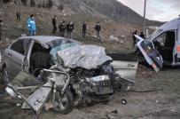 Karşı Şeride Geçen Otomobil İle Ambulans Kafa Kafaya Çarpıştı Açıklaması 3 Ölü, 3 Yaralı