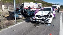 Konya'da 3 Otomobil Çarpıştı Açıklaması 7 Yaralı