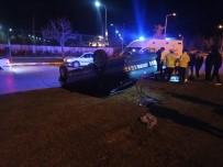 Otomobil Refüje Çarpıp Takla Attı Açıklaması 2 Yaralı