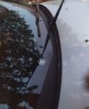 Park Halindeki Otomobile Yorgun Mermi Düştü