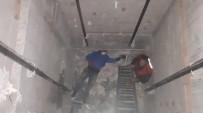 3 Metre Yüksekten Asansör Boşluğuna Düşen Adamı İtfaiye Kurtardı