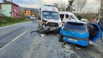 Ambulans İle Otomobil Çarpıştı Açıklaması 4 Yaralı