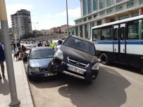 Kırıkkale'de İlginç Kaza, Cip Park Halindeki Otomobilin Üzerine Çıktı