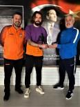 Kırşehir Belediyespor'un  Golcüsüne Teknik Direktörden Plaket