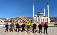 Polisler Kamera Karşısına Geçti, Klip Çekti