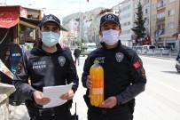 Polislerden HES Kodu Sorgularken Yürekleri Isıtan Davranış