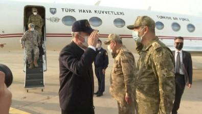 Milli Savunma Bakanı Hulusi Akar Irak sınırında