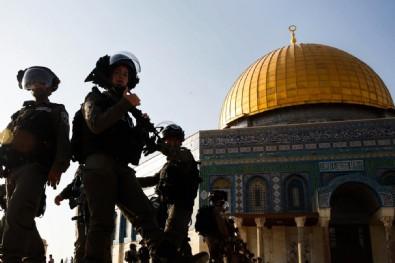 Amerikalı savaş karşıtı Yahudi aktivist Ariel Gold İsrail'in savaş suçu işlediğini belirtti