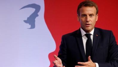 Macron'un 'çizgisi' başörtüsüne takıldı
