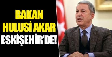 Bakan Akar hava harekatlarının yönetildiği Muharip Hava Kuvveti Komutanlığının bulunduğu Eskişehir'e geldi
