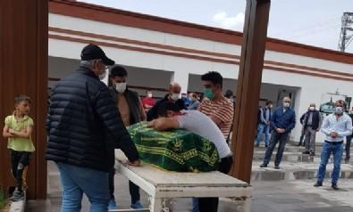 Bu acıya yürek dayanmaz! Küçük Yusuf'un cenazesinde ailesi gözyaşlarına boğuldu!