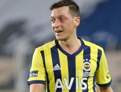 Mesut Özil'den örnek hareket!