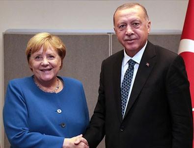 Başkan Erdoğan, Merkel ile görüştü!