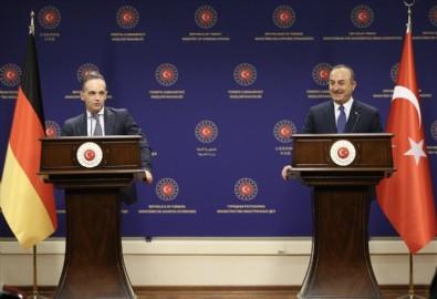 Dışişleri Bakanı Çavuşoğlu'ndan Almanya'da önemli açıklamalar