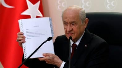 MHP'nin anayasa önerisiyle dalga geçen Ebru Baki'ye arka çıkan Bülent Aydemir'in bu kaçıncı skandalı...