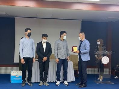 Agri Milli Egitim Müdürü Tekin, Dereceye Giren Ögrencilere Ödüllerini Verdi
