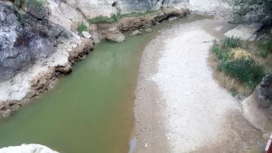 Ayvacik Çayi Ve Kisik Kanyonu Kurakliga Teslim Oldu