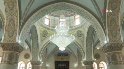 Azerbaycan'da Covid-19 Nedeniyle Kapatilan Camiler Yeniden Ibadete Açildi