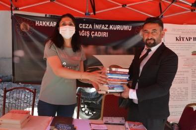 Baskan Arslan'dan Mahkumlar Için Kitap Bagisi
