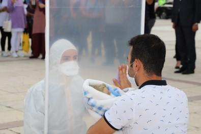 Erzincan'da 'Covid 19'Da Hemsirelik' Adli Sokak Tiyatrosu Düzenlendi