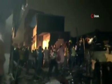 Hindistan'da Bina Çöktü Açiklamasi 11 Ölü