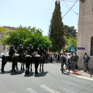 Kudüs'te Israil Mahkemesi Önünde Israil Güçleri Ve Filistinliler Arasinda Arbede Açiklamasi 1 Gözalti, 2 Yarali