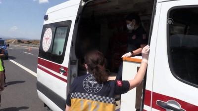 Manisa'da Kamyonet, Kamyona Arkadan Çarpti Açiklamasi 1 Ölü, 1 Yarali