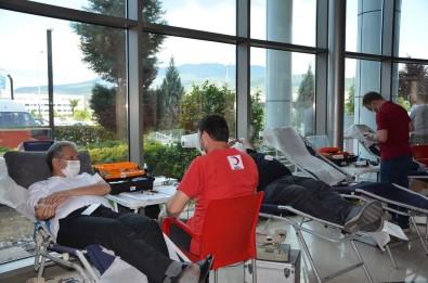 Medikar'dan Türk Kizilay'ina Kan Destegi