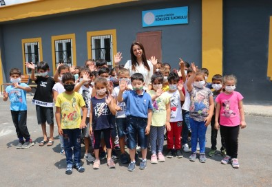 Okul Müdiresi, Atandigi Harabe Köy Okuluna Adeta Hayat Verdi