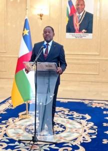 Orta Afrika Cumhuriyeti Basbakani Ngrebada, Devlet Baskani Touadera'ye Istifasini Sundu