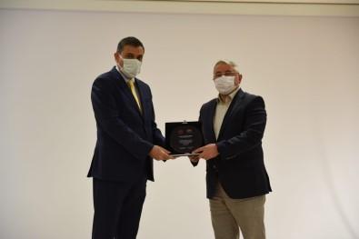 Pandemi Sürecinde Katki Saglayanlara Tesekkür Plaketi