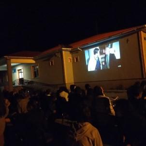 Sarikamis Karapinar Ilk Ve Ortaokulu Yöneticilerinden Açik Havada Sinema Keyfi