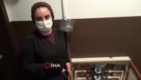 YUNUSEMRE - Sultangazi'de Bulunan Bir Apartmanin Su Saatleri Çalindi