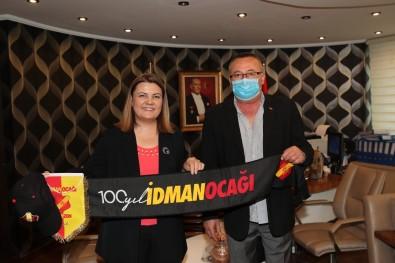 Trabzon Idmanocagi'ndan Hürriyet'e 100. Yil Hediyesi