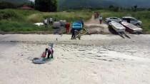 ESENKÖY - Yalova'da Müsilaj Kiyi Ve Açik Denizde Yer Yer Etkisini Sürdürüyor