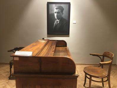 Ahmet Hamdi Tanpinar, Dogumunun 120. Yilinda Beyoglu'ndaki Sergiyle Anildi