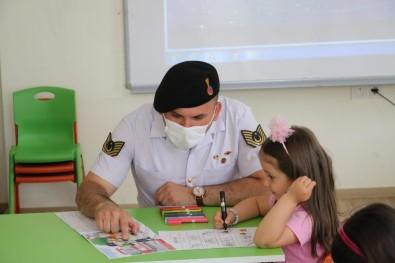 Aksaray Jandarma Minik Ögrencilerin Okul Heyecanini Paylasti