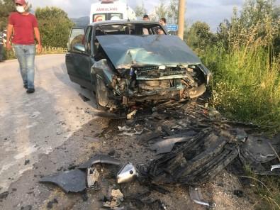 Alkollü Sürücü Hatali Sollama Yapti, Iki Otomobil Çarpisti Açiklamasi 4 Yarali